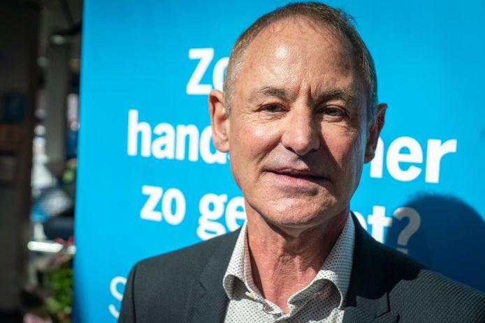 """Supermarkt-eigenaar Hans Geveling. ,,Ik kan wel zeggen dat ik trots ben op mijn mensen, maar nu zegt de koning het. Prachtig."""""""