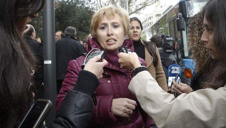 Paloma Perez, aanwezig bij de rechtzaak tegen de Spaanse non, zegt dat ze als baby gestolen is. Beeld reuters
