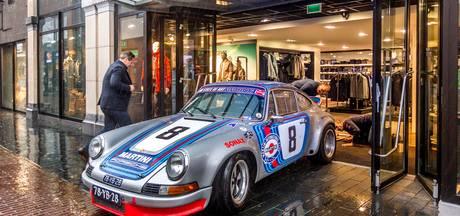 Historische Porsche 911 Carrera RSR uit 1973 in de winkel van Ter Haar