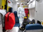 'Coronabepakking' vertraagt ambulances in de Betuwe: 'Eerst overall aan en bril en masker op'