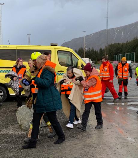 Evacuatie 1300 opvarenden, reddingsacties gaan hele nacht door