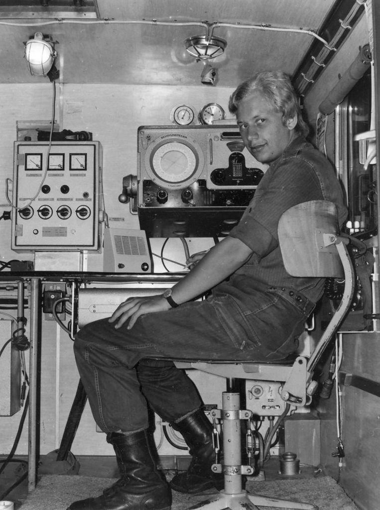 Jos van de Sande luisterde in zijn diensttijd (1973) de Russen af in Dilingen aan de Donau om de richting van de zenders uit het Oostblok te bepalen. 'Het waren gecodeerde boodschappen waar we niets van begrepen. Met Nieuwjaar waren ze zo vriendelijk om happy new year naar ons te seinen.' Beeld
