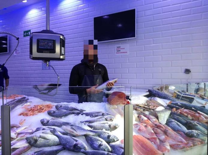 De familie A. had op een bepaald moment vijf viswinkels in Antwerpen-Noord, Berchem en het Kiel