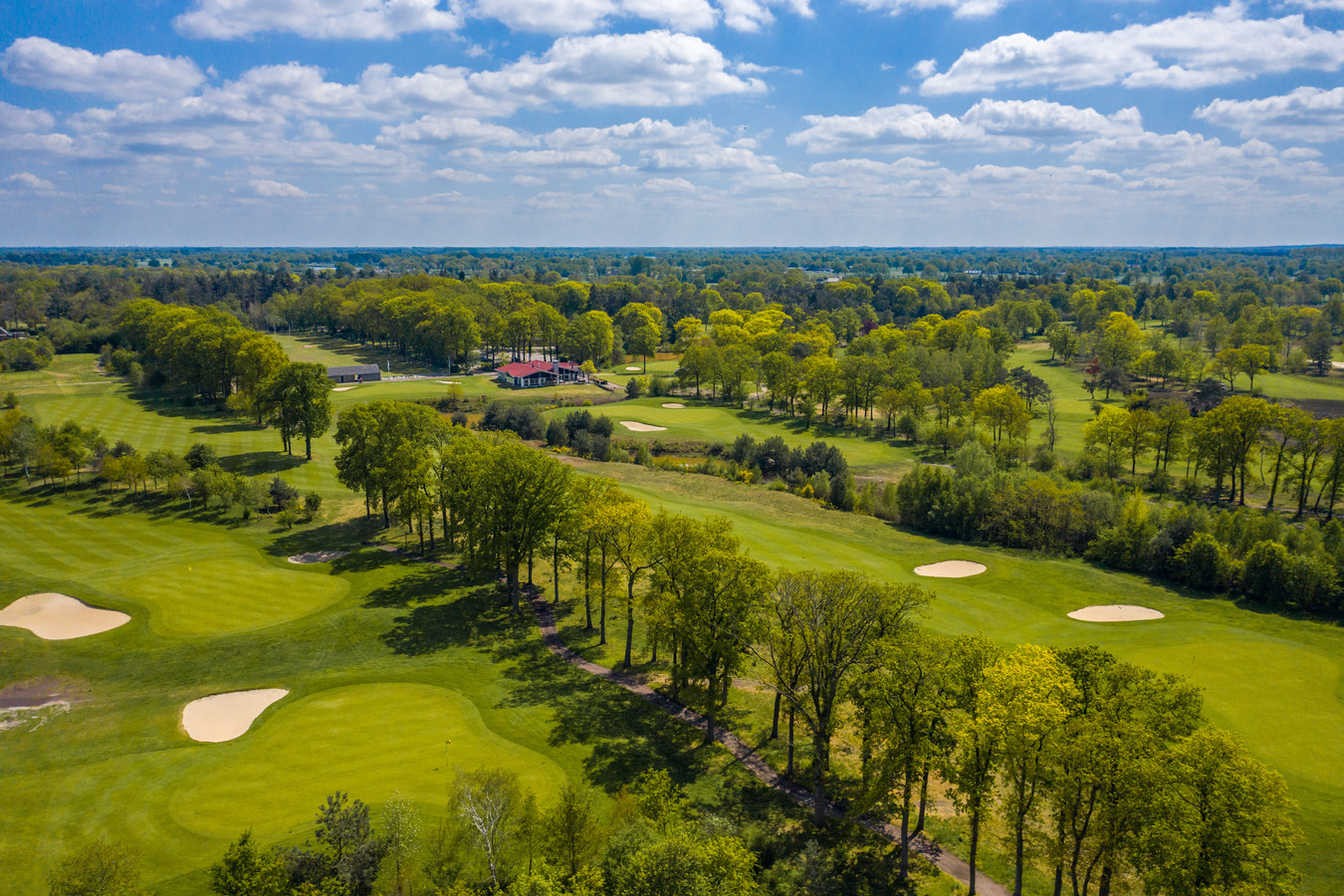 Golfbaan De Koepel ligt prachtig tussen de kernen Wierden en Rijssen.
