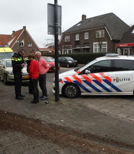 Automobiliste verliest macht over stuur en ramt gevel in Schijndel