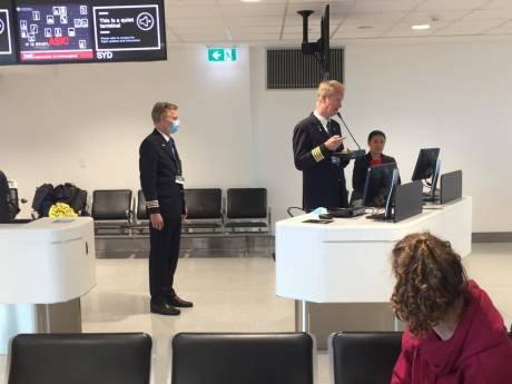 Deventer stel van 'koala-handschoentjes' alsnog op weg naar Nederland