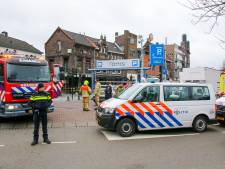 Drama bij afbreken oliebollenkraam in Schiedam: Rotterdammer (37) overleden nadat trailer over hem heen valt