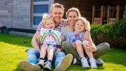 """Thijs en Roos zorgen sinds kort voor pleegdochter: """"We willen niet bestoeft worden. We willen een kindje warmte geven"""""""