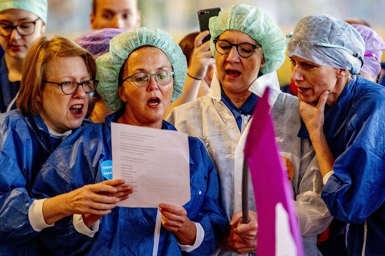 Medewerkers van het Catharina Ziekenhuis Eindhoven voerden in oktober actie voor een betere cao.  Beeld ANP