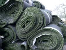 Omstreden bedrijf Tuf Recycling uit Dongen dumpte vijftig afgedankte kunstgrasvelden in Maasdriel