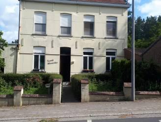 't Oud Klooster in Volkegem staat te koop