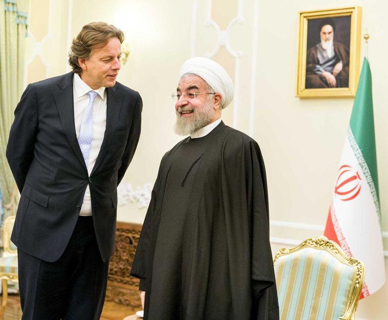 Minister van Buitenlandse Zaken Bert Koenders ontmoet de Iraanse President Hassan Rohani in Teheran. Beeld ANP