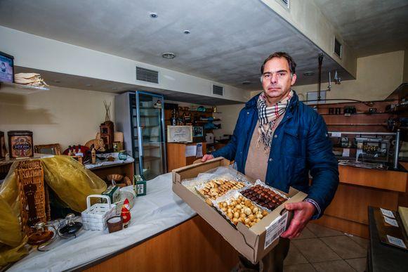 Zaakvoerder Alex Vanfleteren. Een eerste schatting leert dat de schade in de duizenden euro's loopt.
