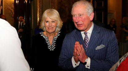 Besmette prins Charles en zijn Camilla na veertien dagen weer herenigd