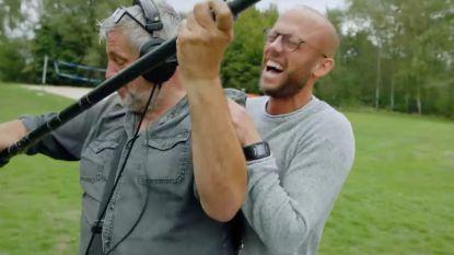 """VIDEO. Klankman Pascal Braeckman in 'Het Lichaam van Coppens': """"Mijn stok is te kort"""""""