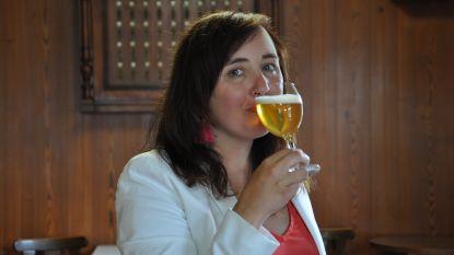 """Wat wordt Het Streekproduct van 2019? Biersommelier Sofie Vanrafelghem proeft: """"We moeten meer fier zijn op onze streekbieren"""""""