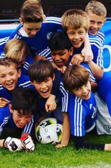 Faillissement aanbieder Schalke-clinics treft minimaal dertig clubs