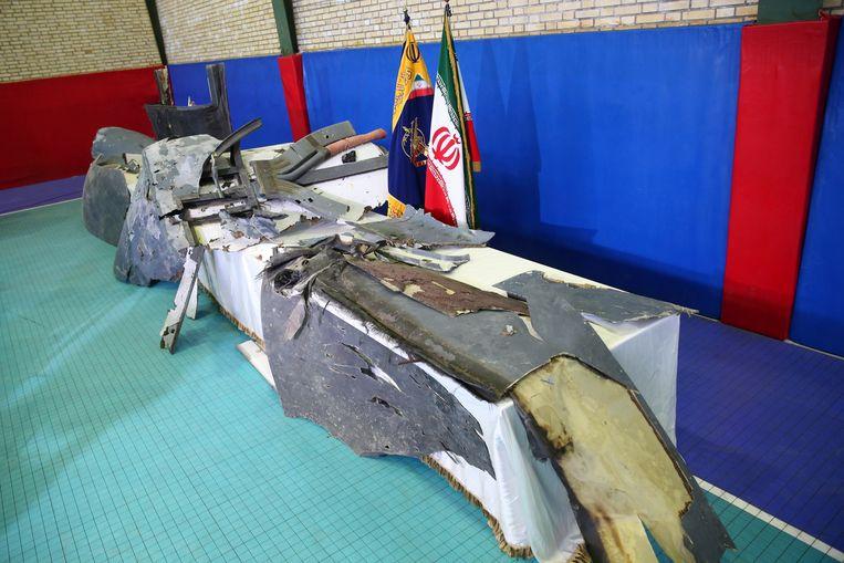 Dit zijn volgens Iraanse autoriteiten de resten van de Amerikaanse drone.