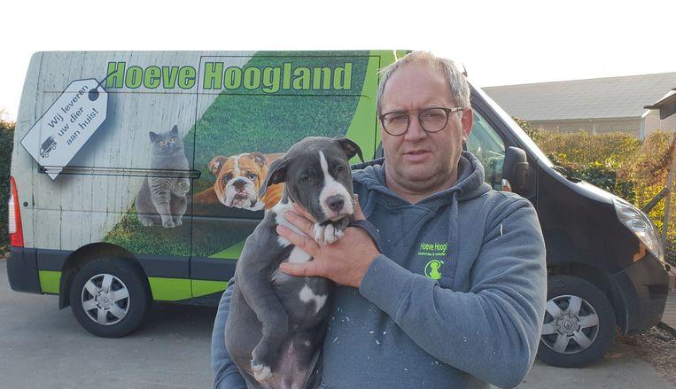 Marc van Hoeve Hoogland doet mee aan de Black Friday-actie. Hij verkoopt honden met korting.