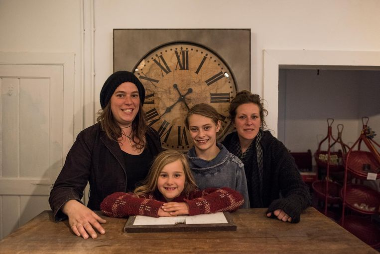 Melissa, Yinde, Yillan en Stefanie.