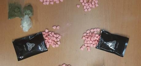 Man (18) uit Westervoort opgepakt met 281 xtc-pillen op zak