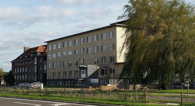 Het oude ziekenhuis in Bree mag dan wel verdwenen zijn. De pensioenbom die eronder lag, is dat niet.