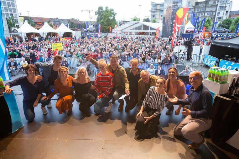 Jeroen Lenaerts, Katrien De Ruysscher, Vanya Wellens, Elise Roels, Raf Jansen, Sid Van Oerle, Pol Goossen, Tina Maerevoet en Ann Pira.