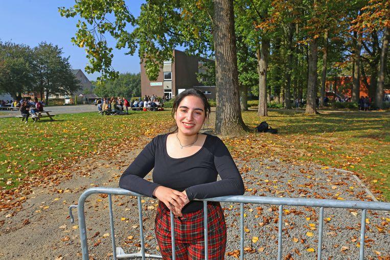 Rania El Mard volgt les in Vijverbeek maar is dit schooljaar ook voorzitter van de Vlaamse Scholierenkoepel.