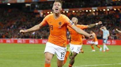 De Jong redt Oranje in blessuretijd