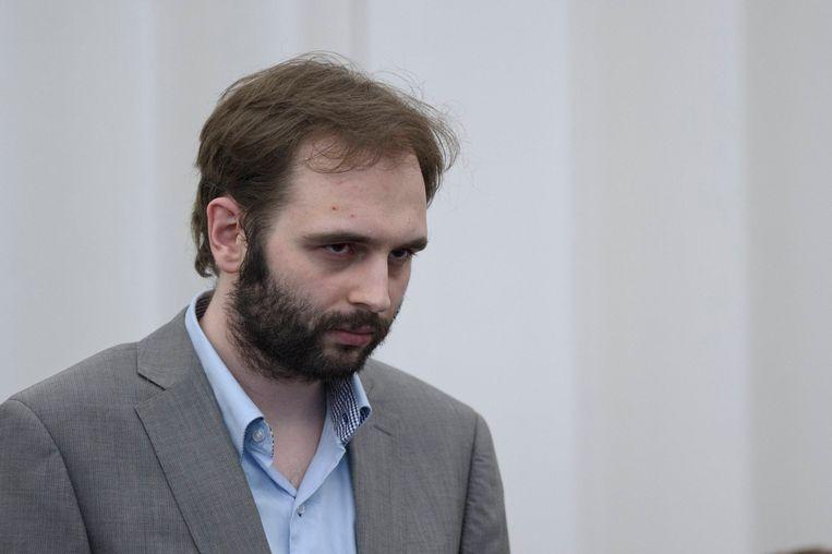 Kim De Gelder werd veroordeeld tot levenslang wegens vier moorden en 25 moordpogingen. Vandaag valt de beslissing dat hij wordt geïnterneerd.