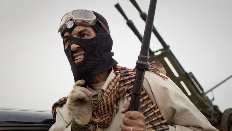Een opstandeling in Sultan, ten zuiden van Benghazi. Beeld ap