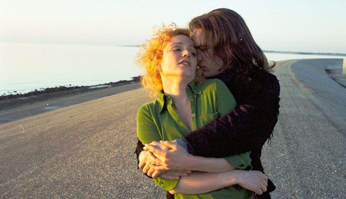 Angelique de Bruijne en Fedja van Huêt in Wilde Mossels.