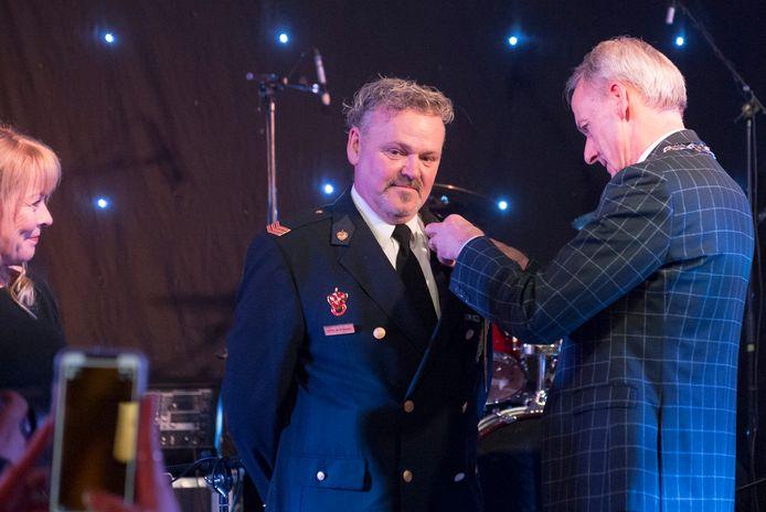 Bij de brandweer in Grave hebben twaalf brandweermannen een koninklijke onderscheiding gekregen. Dit voor 20 jaar trouwe dienst. In 2020 kan dit niet meer.