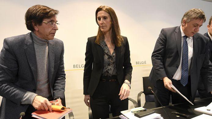 De afgelopen dagen was er veel contact tussen minister-presidenten Elio Di Rupo (PS) en Jan Jambon (N-VA). De MR wil dat Sophie Wilmès premier blijft.