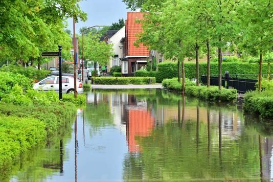 De Veerkensweg in Oud Gastel werd afgesloten.