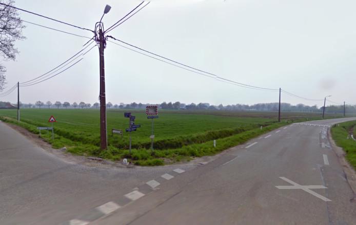 Het kruispunt Hoogstratensebaan met de Schootsenhoek in Castlré.