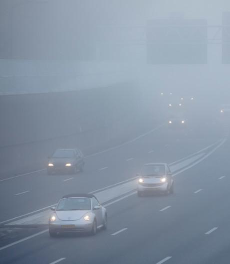 Dichte mist zorgt voor overlast in de spits