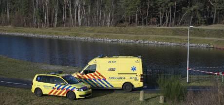 Voorbijganger vindt overleden man in Tilburgs kanaal