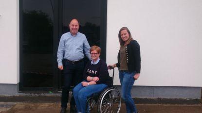 Liesbet bouwt volledig rolstoelproof en nodigt jou dit weekend uit