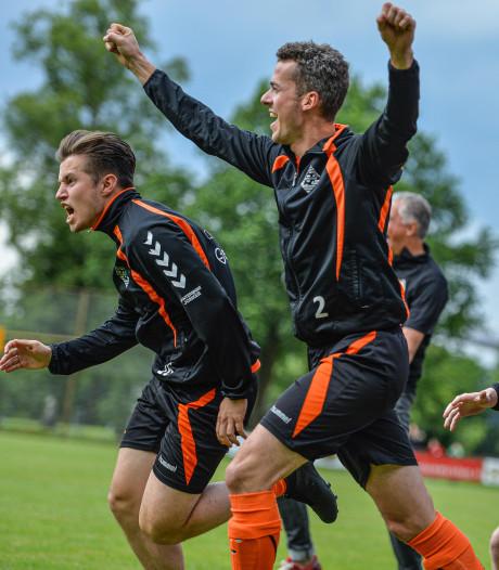 Eerbeekse Boys promoveert na doelpunt in laatste seconde