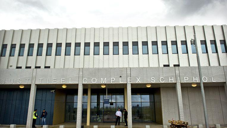Het Justitieel Complex op Schiphol. In het detentiecentrum van het complex zijn de asielzoekers in hongerstaking. Beeld anp