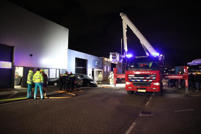 De hulpdiensten bij de Zekkenweg in Hoek van Holland.