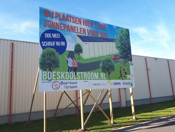 Van de 840 zonnepanelen die vorig jaar zijn geplaatst op het dak van Shelter Storage zijn er tot op heden circa 420 verkocht.