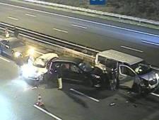 Vier auto's botsen tegen elkaar op A12 en zorgen voor vertraging