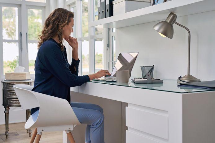 Om werk en privé beter te kunnen scheiden is het belangrijk om een fysieke werkplek in te richten.