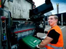 Tijdens de vakantie werken op de vuilniswagen: 'Gezellig en het betaalt goed'