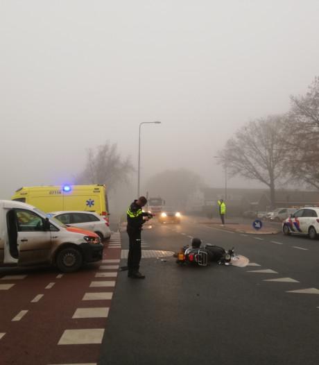 Meisje raakt ernstig gewond aan knie bij ongeluk op de Rijksweg in Ede