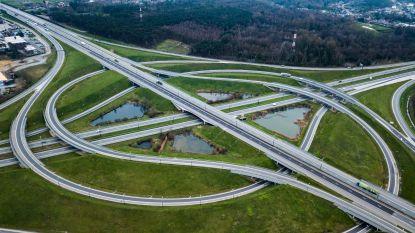 IN BEELD: Zo leeg ziet Vlaanderen eruit vanuit de lucht