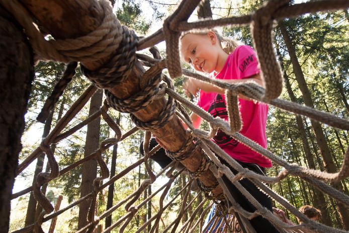 Tijdens het Kinderdagkamp in Eibergen leren de kinderen spelenderwijs (archieffoto)