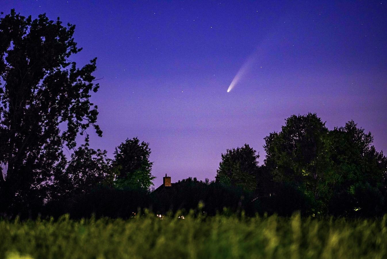 De komeet Neowise boven Nuenen